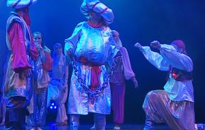 """Efektowne akrobacje i taniec przepisem na """"Przygody Sinbada"""""""
