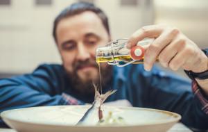 Śledź, burak, brukiew - Krzysztof Kowalczyk poleca potrawy na wigilijny stół