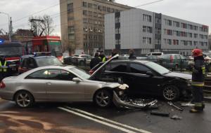 Mniej wypadków, ale więcej kolizji na drogach