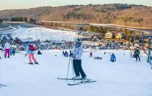 Pociągiem na narty, ale na stok piechotą