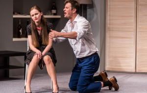 """One man show - recenzja """"Prawdy. Komedii małżeńskiej"""" w Teatrze Miejskim"""