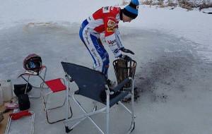 Gafurow na nartach, Sundstroem jeździ po jeziorze