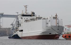 Kontenerowiec przebudowany na bydłowiec opuścił Gdynię