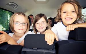 Wygoda, cena, a bezpieczeństwo dziecka. Fotelikowy problem z dojazdem na zajęcia dodatkowe