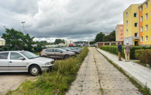 Parking w miejsce kortu na Chyloni