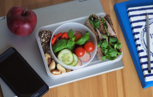 Okiem dietetyka: zdrowe drugie śniadanie do pracy