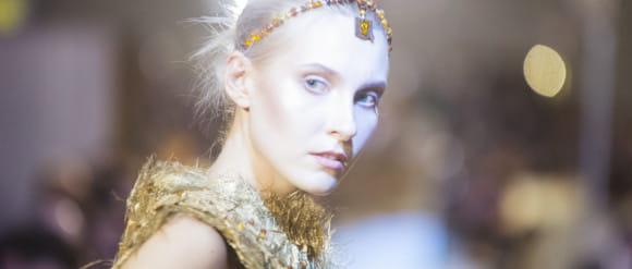 Nagrodzono młodych twórców łączących modę z bursztynem