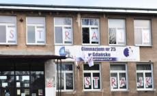 Protest nauczycieli w Trójmieście. Chcą podwyżek i gwarancji, że nie stracą pracy