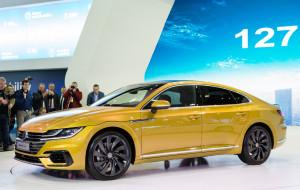 VW Arteon: Passat zostaje w tyle