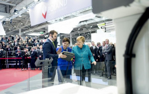 Premier i kanclerz kontra robot. Trójmiasto na Hannover Messe