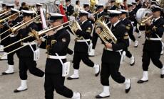 Marynarka Wojenna naprawia swoje saksofony