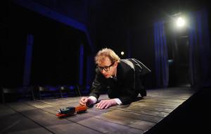 Ojciec, syn, śmierć i... - o premierze w Teatrze Miejskim w Gdyni