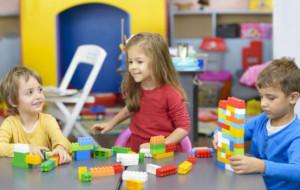 Samotny rodzic jest faworyzowany w rekrutacji do przedszkola? Wciąż brakuje miejsc