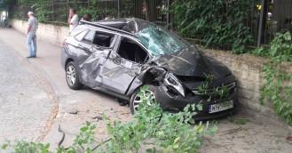 Dźwig staranował samochód osobowy w Sopocie
