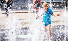 Woda w fontannie - przezroczysta więc czysta? Sanepid: takie kąpiele są niebezpieczne