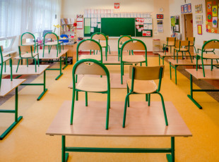 Dwumiesięczne wakacje nauczycieli?