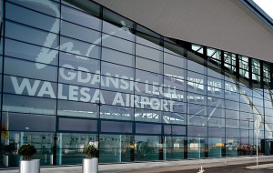 Pani robot odpowie na pytania o gdańskim lotnisku