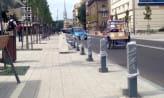 Walczą ze źle parkującymi. Trwa montaż słupków w centrum Gdyni