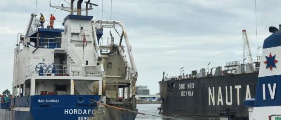 Podniesiono statek, który w kwietniu zatonął w gdyńskiej stoczni