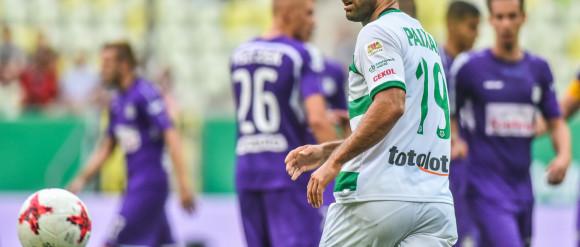 Zepsuty jubileusz Paixao, gwizdy żegnały piłkarzy