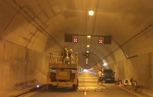 Po zamknięciu tunelu, nie przestawiono świateł