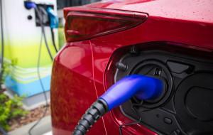 Powstaną stacje ładowania aut elektrycznych na trasie do Warszawy
