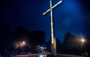 Będzie nowa iluminacja krzyża na Kamiennej Górze