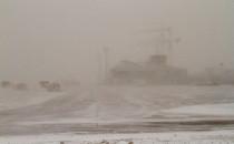 Śnieżyca zamknęła obwodnicę i lotnisko....
