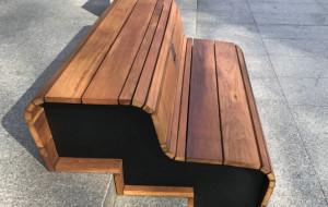 Nowe meble miejskie na ul. Stągiewnej