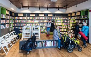 Nowa biblioteka w Gdyni z książkami i instrumentami
