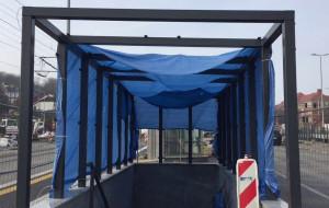 Zejścia na SKM Śródmieście będą obudowane szkłem