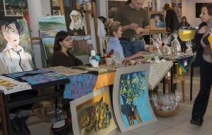 Młodzi artyści po raz drugi wystawią swoje prace na szkolny kiermaszu