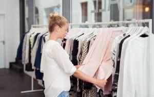Czy powinno się prać nowe ubrania?