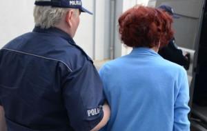 Lekarka zatrzymana za branie łapówek i wystawianie fałszywych zaświadczeń