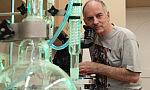 Przy kawie o historii brudu - Wiktor Niedzicki gościem Science Cafe