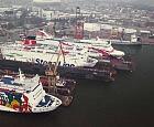 Siedem promów w dokach Remontowej
