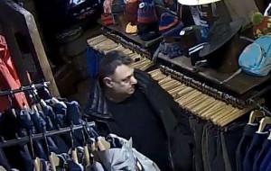 Ukradł kurtkę. Rozpoznajesz go?