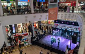 Centra handlowe czynne w niedziele, ale sklepy niekoniecznie