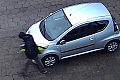 Prokuratura umorzyła postępowanie ws. wandala niszczącego auta