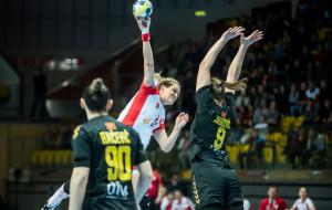 Polska - Czarnogóra piłkarek ręcznych 20:26. 2 tysiące kibiców w Gdynia Arena