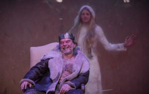 """Tyran na polskim tronie. O """"Śmierci białej pończochy"""" w Teatrze Wybrzeże"""