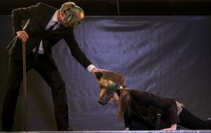 """Rebelia zwierząt. O spektaklu """"Bunt"""" Teatru Miniatura"""