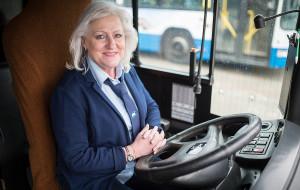 Od Wiesławy Fobke wszystko się zaczęło. Pierwsza kobieta za kierownicą autobusu