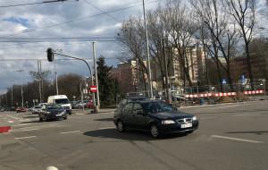 Kłopotliwy przejazd przez skrzyżowanie przy UM w Gdyni