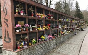 Nowe ściany urnowe na gdyńskich cmentarzach