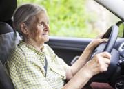 Czy seniorzy za kółkiem powinni przechodzić obowiązkowe badania?
