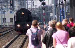 Wycieczka zabytkowym parowozem po torach Gdyni