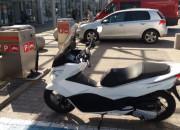 Udogodnienia dla motocyklistów na parkingu centrum handlowego