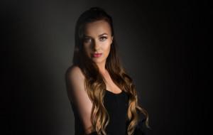 Wcieliła się w rolę Ariany Grande. Wywiad z Eweliną Pobłocką