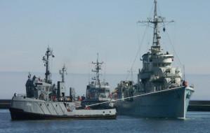 Salut z Błyskawicy na pożegnanie Polskiej Marynarki Wojennej